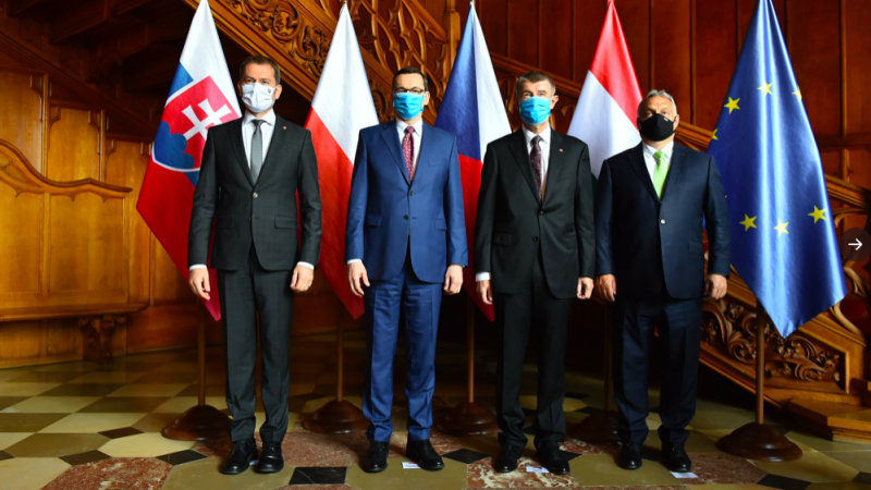 Igor Matovič, Mateusz Morawiecki, Andrej Babiš e Viktor Orbán nel castello di Lednice, 11 giugno 2020. Fonte: twitter